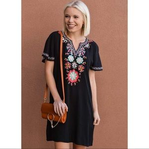 NWT Embroidered THML Shift Dress